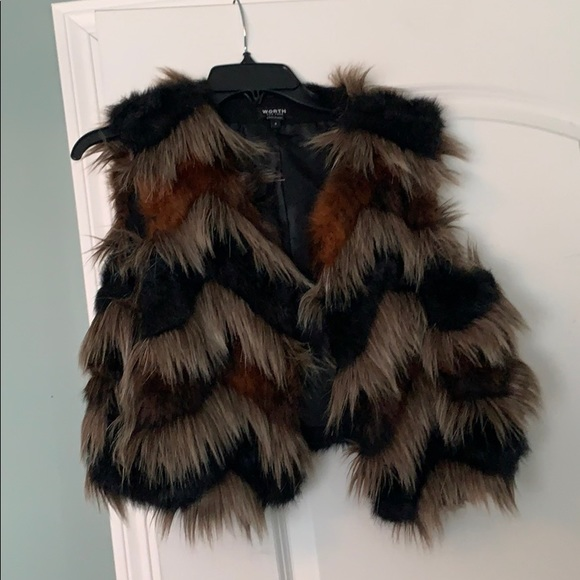 Furry cropped vest